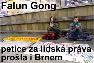 uvod_Falun_Gong_petice_podchod_Brno_11122009_IMG_0219_MK